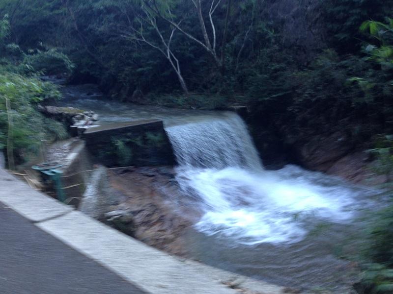 増水した石川上流