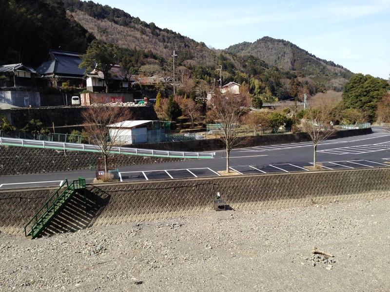 滝畑湖畔バーベキュー場の駐車場がリニューアル