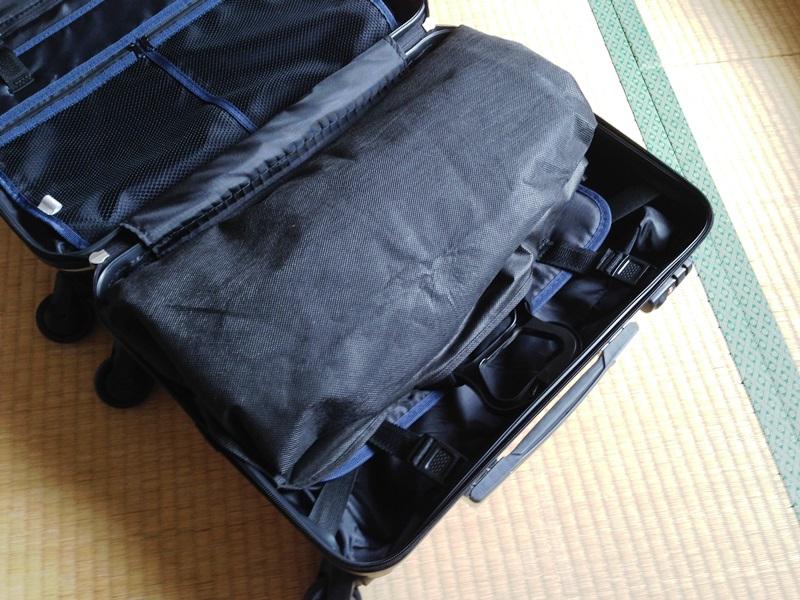 スーツケースにスーツを入れてみた