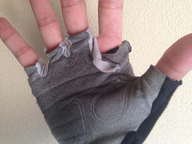 指のところがほつれてきた パールイズミ 20サイクリンググローブ