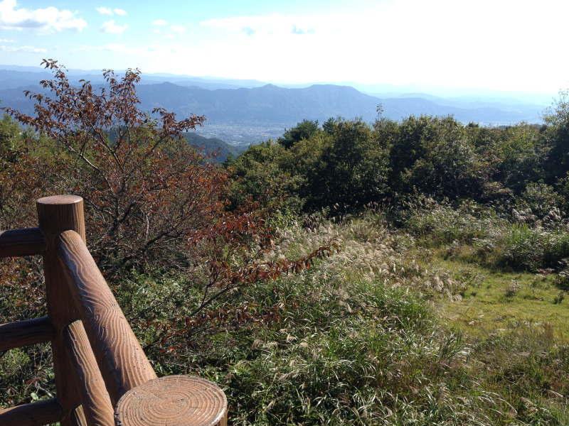 和泉葛城山の展望台から紀ノ川市街を望む