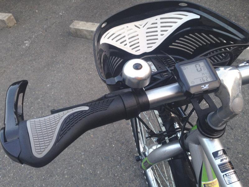 息子の自転車のハンドル周り