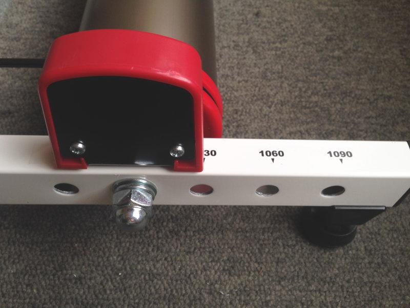 フロントガードを取り付け、ホイールベースは1000mmにセット