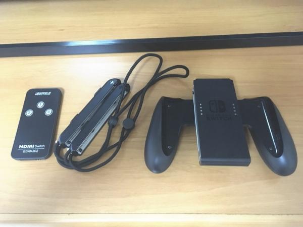 HDMIセレクターのリモコン+ストラップ+Joy-Conグリップ