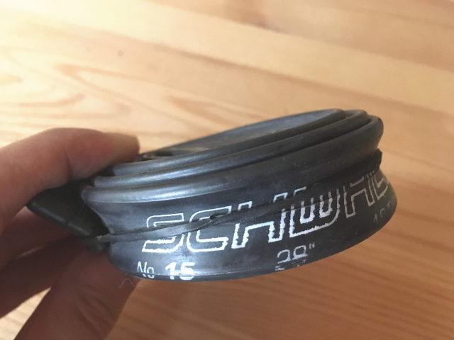 シュワルベ700x18-28C仏式40mmバルブに交換