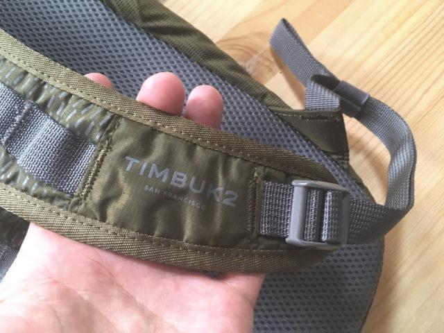肩ベルトにもTIMBUK2のロゴ