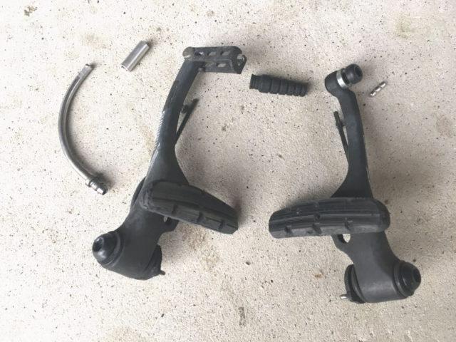 Brace標準のVブレーキはAcera(アセラ)BR-M422
