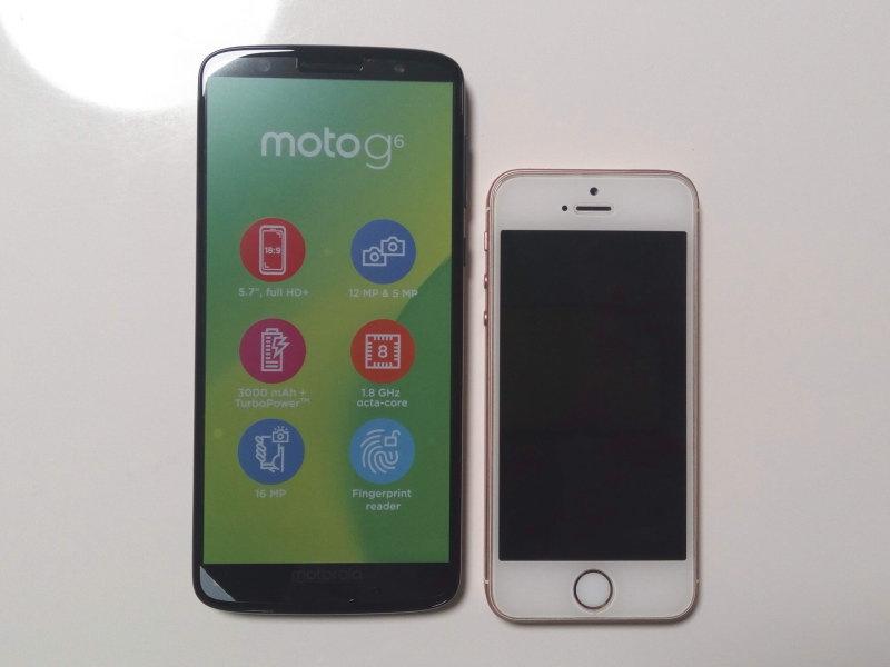 Moto G6とiPhone SE